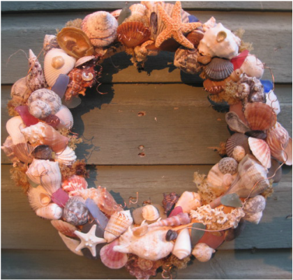 Beautiful abundant shell wreath. Tutorials at www.shellcrafter.com