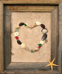 Beach and Coastal crafts, shell heart on a sandy background  www.shellcrafter.com