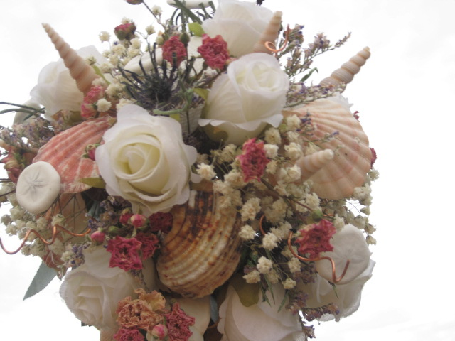 Beautiful sea shell bridal bouquet with tutorial! Shellcrafter.com