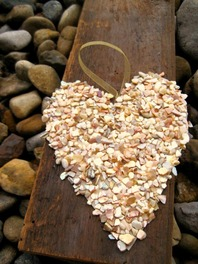 Seashell crafts. Crushed shell ornament. www.shellcrafter.com