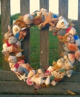 Seashell and beach crafts with tutorials.  I love the blog posts that go along with the tutorials too.